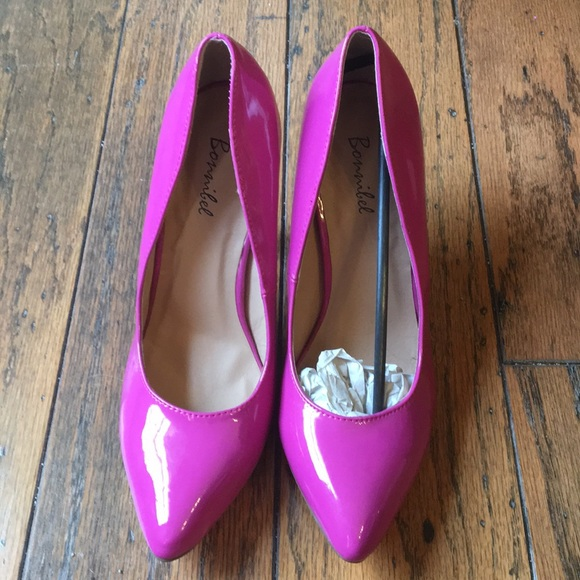 5b5523bec034 🙌SALE🙌Brand new hot pink 3 inch heels 👠